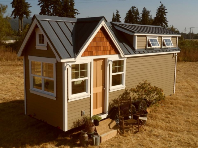 small house with wheels for sale in oregon