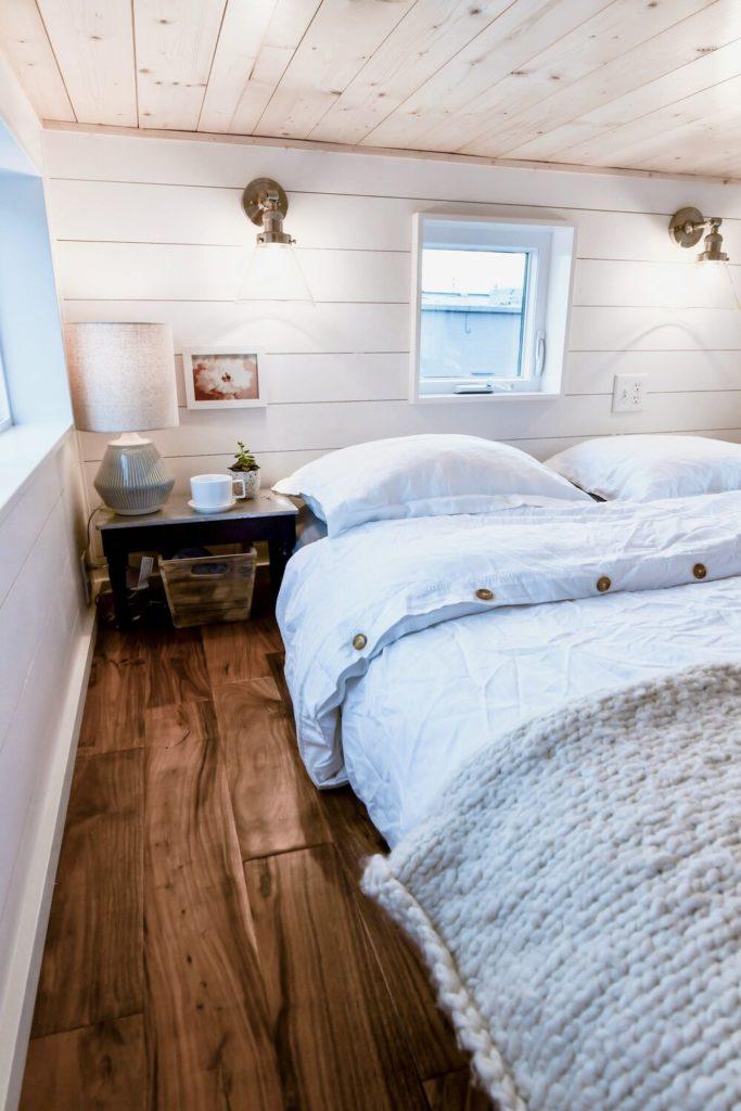 minimalist bedroom floor plan idea