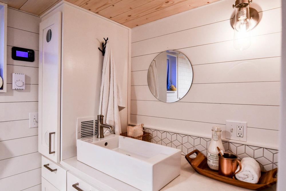 tiny home bathroom design idea