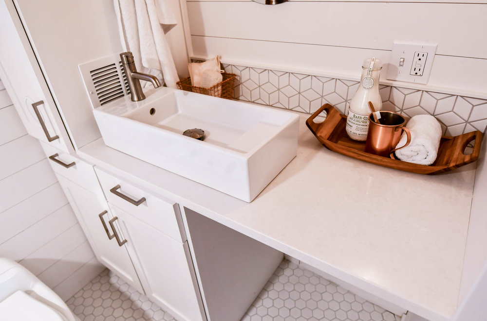 tiny home bathroom layout idea