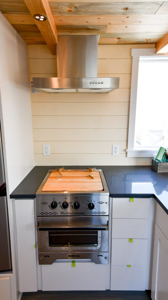 onyx countertop stainless appliance