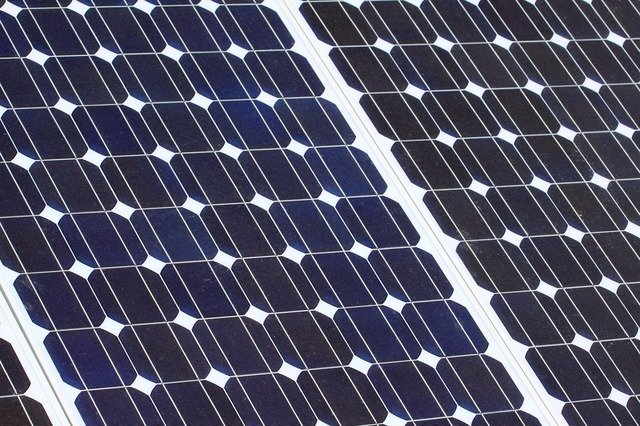 reduce carbon footprint with solar panels